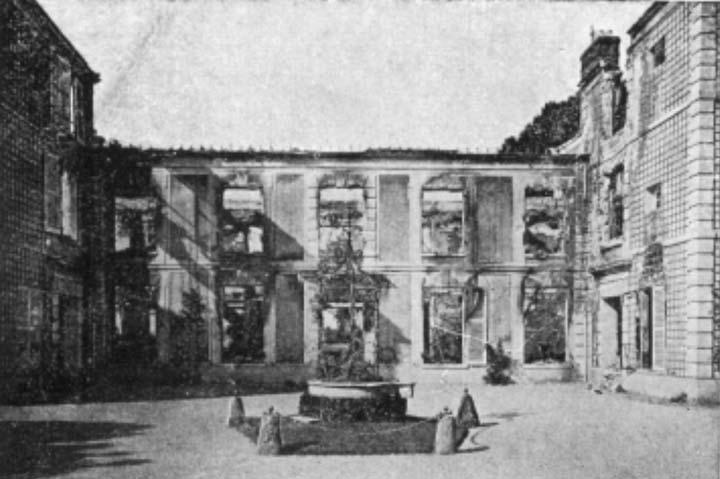 Prenant la rue du faubourg saint martin montrée ci dessus le touriste passera devant une jolie propriété vue ci dessous ancien quartier des gardes du