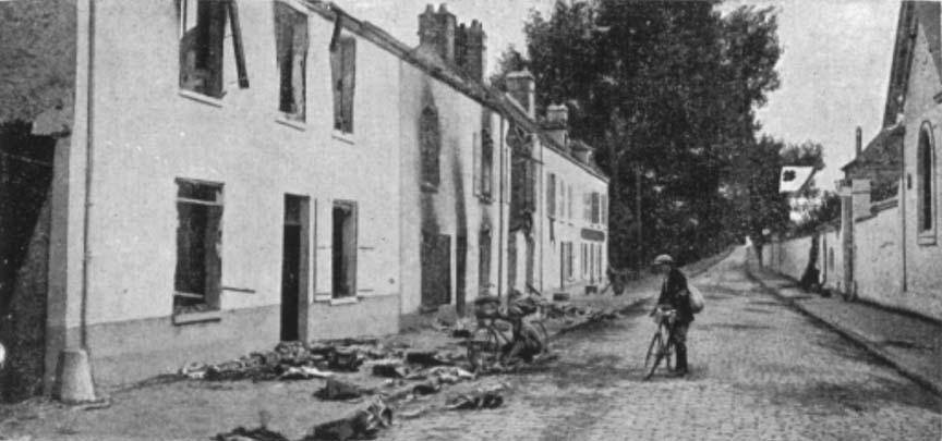 Les avant gardes allemandes refoulant les soldats français attardés faubourg saint martin furent accueillies par le feu des mitrailleuses postées hors de